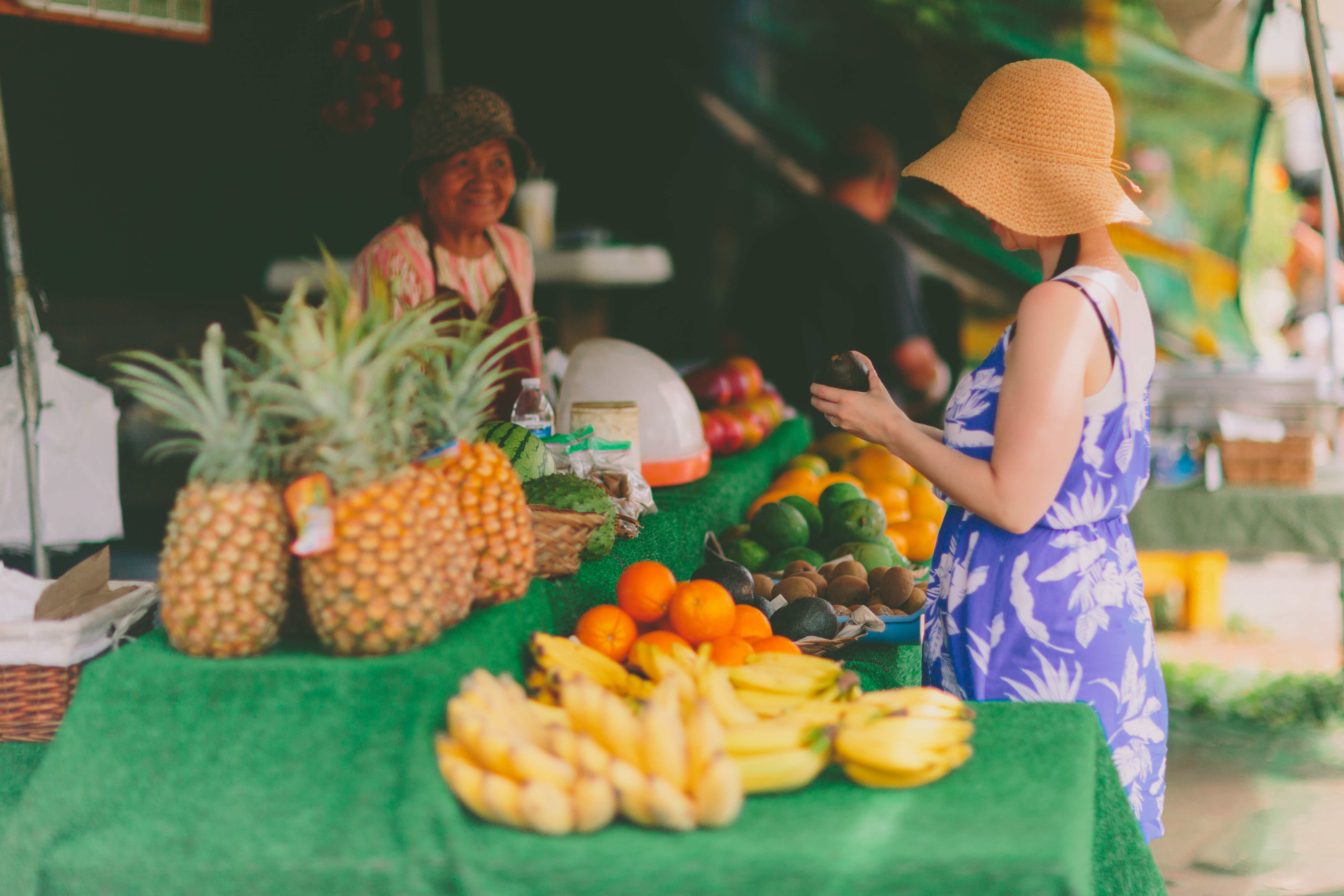 travel-shopping-market-groceries-small-business-hawaii-shop-local-farmers-market-local-business_t20_yROALx (2)