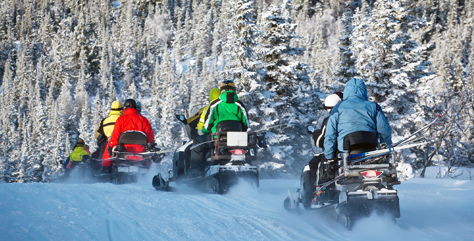 Blog-Full-Width-Image-960w-Snowmobiling-Winter-Park-City-Family-Activities
