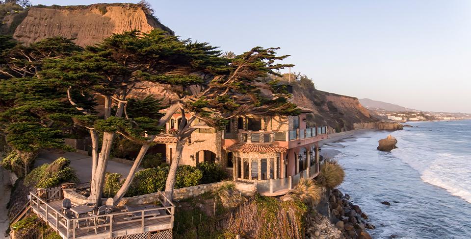 Luxury beach home in Malibu, Il Pelicano